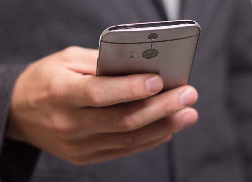 Mobile Datendienste stellen Handy-Telefonie in den Schatten