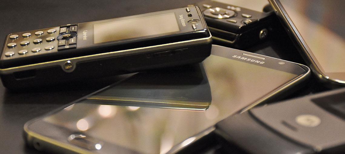 Handy-Verkäufe rückläufig - Smartphones boomen